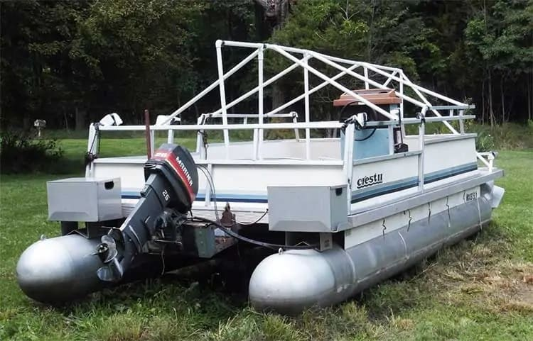 How to Make a Homemade Pontoon Boat Cover Support System
