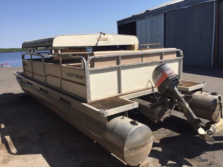 This Aging Pontoon Boat got a Fabulous DIY Upgrade Boatbible.com